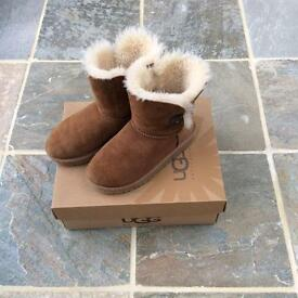 Ugg Boots Girls Size 1 (US 2)