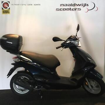 Piaggio New Fly 45km brom 2015 2900km midnight blue ZGAN