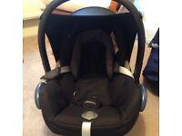 Maxi cosi cabriofix black car seat