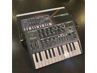 Arturia MicroBrute 25-Key Synthesizer