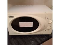 large de Longhi microwave oven in very good condition
