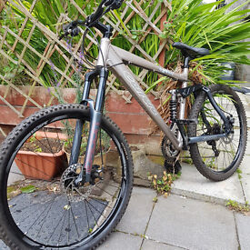 Full Suspension Downhill DH Free Ride Bike As New Condition.