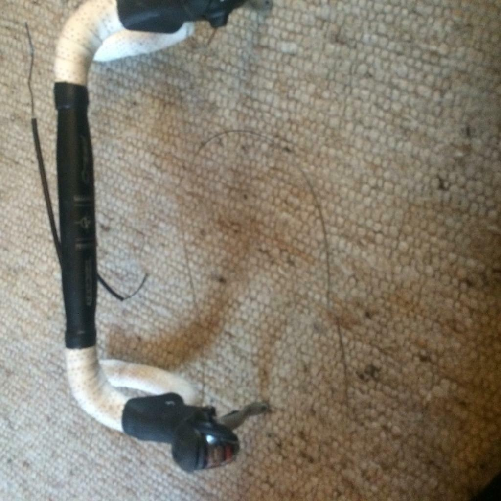 Handlebars with shimano gear/ brake leversin Bradford, West YorkshireGumtree - Racing bike handlebars with shimano Tiagra 10 speed gear/ brake levers The bars and levers are in used condition £60 you can text on 07966947399