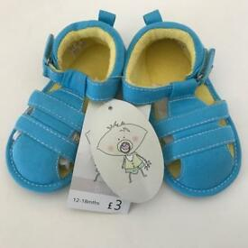 Baby sandals (12-18m) *Brand new*