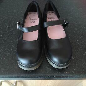 School shoes size 4