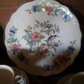 8 place Aynsley 'Pembroke' tea service with cake plate, 2 sandwich plates and sugar /cream bowl
