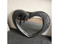 Lovey heart grey mirror