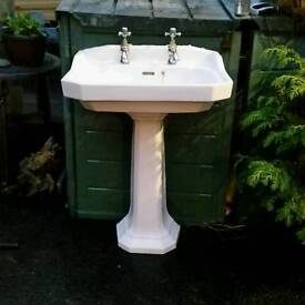 Victorian bathroom sink and pedistool