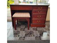 Desk dressing table