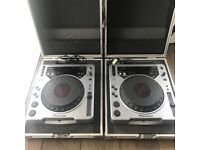 LOWER PRICE 2x Pioneer CDJ-800 MK1 with Flightcases. Excellent Condition