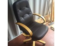 Immaculate dark brown leatherette office chair