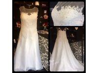 Wedding dress size 24-26