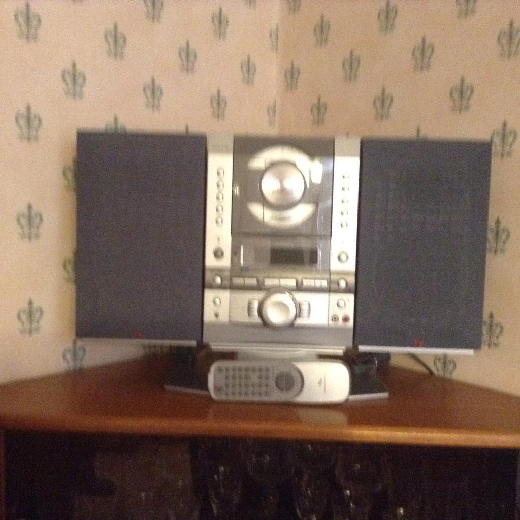 SLIM PROFILE STEREO SYSTEM WITH BOX