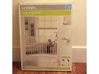 Lindam extending baby gate (brand new)