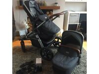 Slivercross wave pram great condition used only for 5 months