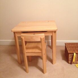Pintoy natural desk and chair
