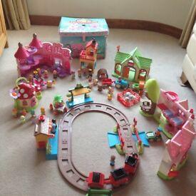 Happy Land train set, toadstool, castle, treehouse, farm, shop, foldout play mat storage box