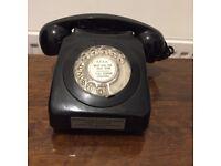 Vintage bakelite telephone - black