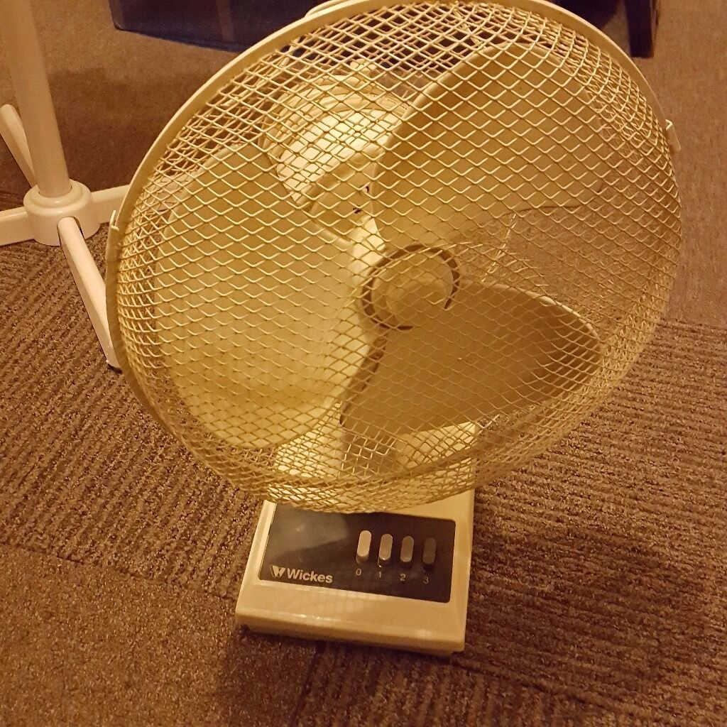 Wickes 12 In 3 Speed Electric Desk Fan In Newham