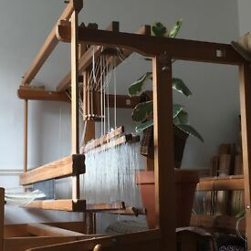 8 Shaft Glimraka Floor Loom 120 cm width. Inc. tools and accessories. Beautiful condition!