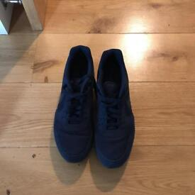 Navy Nike air UK 9