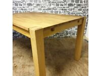 Oak Dining Table in Great Condition