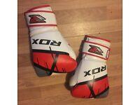 Men's boxing gloves