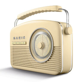 Akai A60010CDAB Retro DAB Radio Alarm Clock with LCD Display and Backlight - Cream