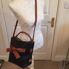 Valentino Garavani Black Brown Genuine Leather Tie Crossbody Bag Ex Condition