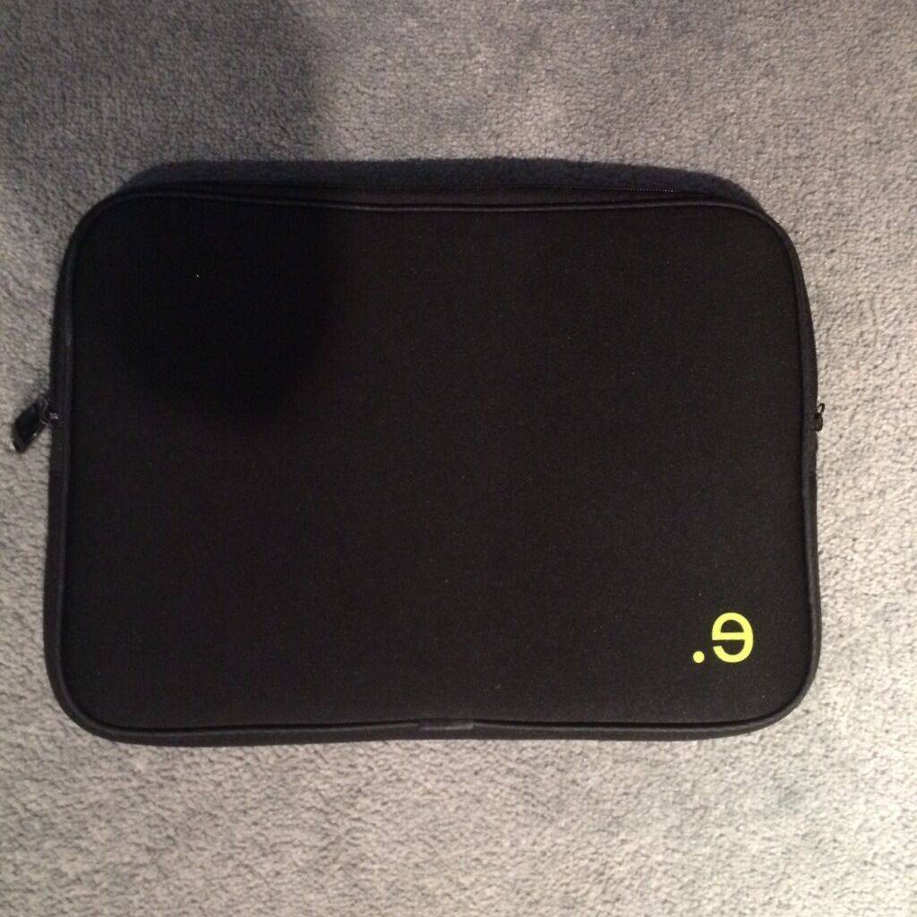 Be.ez Macbook Pro 13 inch Sleeve case mint conditionin Westhill, AberdeenshireGumtree - Be.ez Macbook Pro 13 inch Sleeve case mint condition New condition £12 please check my others ads!
