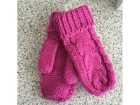 New Ladies Cable Mittens