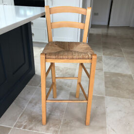 Maple wood bar stool with wicker seat