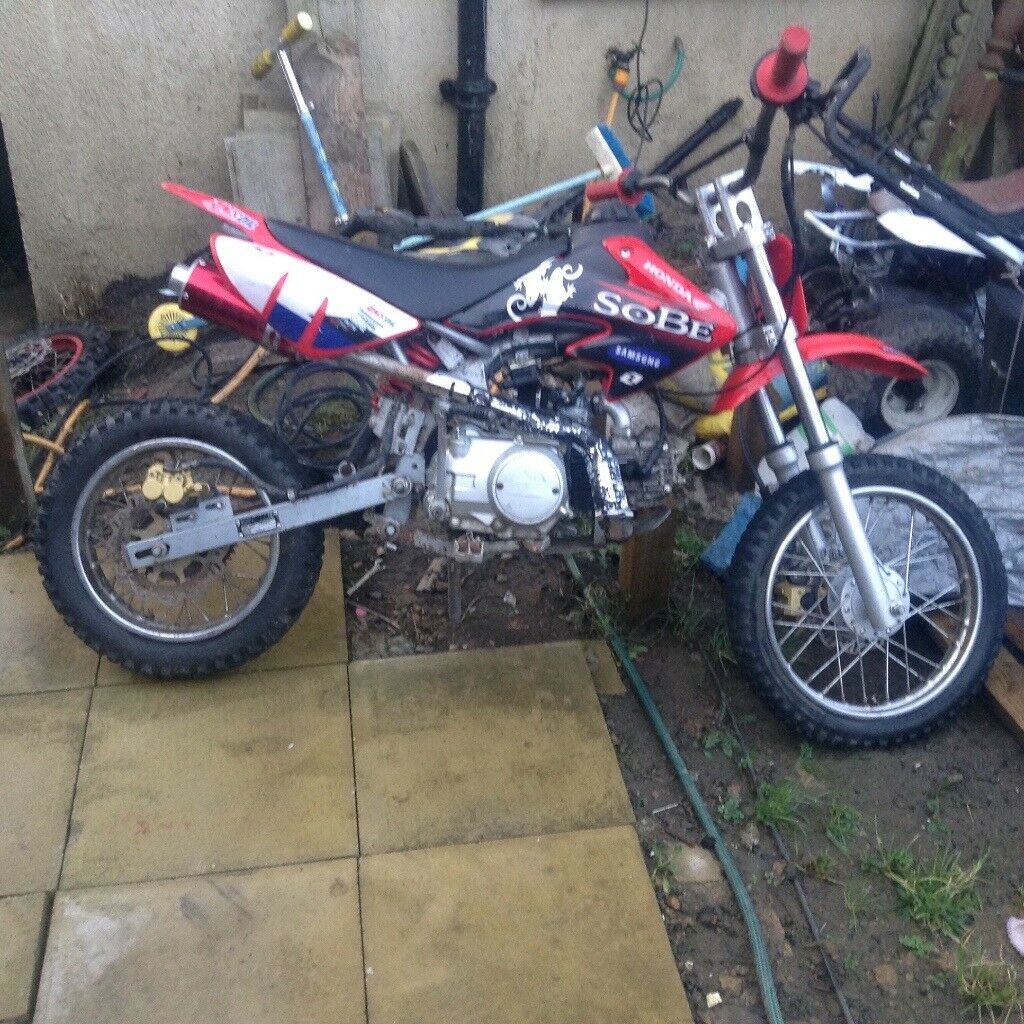 pit bike 110cc honda replica runs and rides well also have. Black Bedroom Furniture Sets. Home Design Ideas