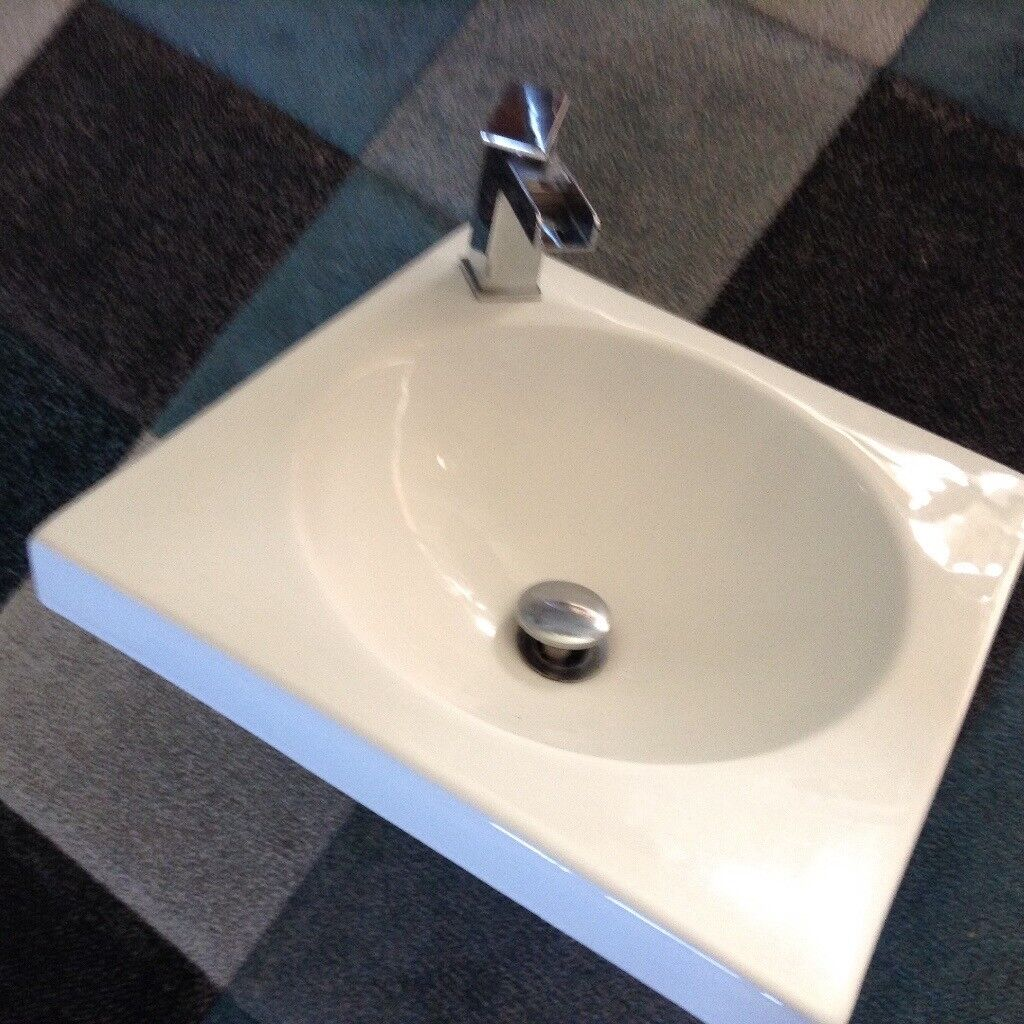 B/room sink 460x460 with new tap.