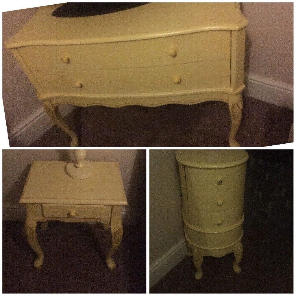 Gorgeous French shabby chic vintage bedroom furniture bedside table