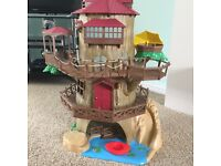 Sylvanian Families Old Oak Hollow Treehouse with furniture and accessories and box