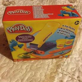 Play-Doh fun factory playset BNSIB