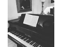 Piano Lessons in Cheshire - All and ages abilities - FIRST LESSONS FREE!
