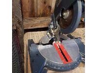 Compund Mitre saw. 750 W