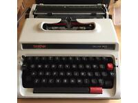 Brother deluxe 1600 rare typewriter