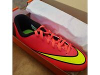 NIKE KIDS BOYS FOOTBALL BOOTS PINK MERCURIAL VORTEX II, BRAND NEW, STILL IN BOX, UK SIZE YOUTH 3.5