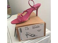 Ladies pink sandals