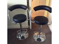 2 bar stools black £8 each