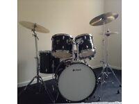 Diamond uk drum kit