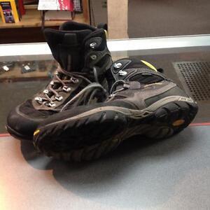Asolo Waterproof Mid Hiking Boots (sku:YWJSN9)
