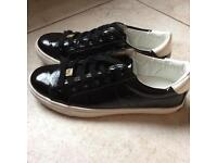 Juicy couture shoes size 4