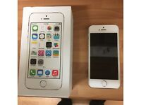 Apple iPhone 5s 16gb in immaculate condition with box