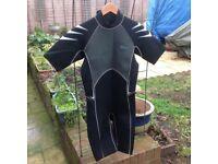 Daving wet suit
