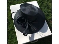 Sale French hat for racing or wedding and bag longchamp