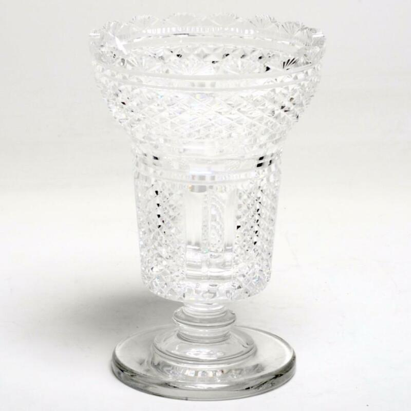 ANTIQUE ANGLO-IRISH CUT CRYSTAL VASE WITH DIAMOND PATTERN